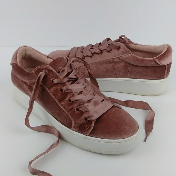 9b39a8870623 Steve Madden Bertie Velvet Platform Sneakers Blush.  M 5c79a748a31c3354b52e0678